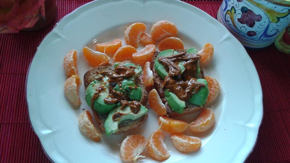 Avocado toast (Trader Joe's Gluten Free Whole Grain Bread), Chipotle and Cashew Butter, Tangelos