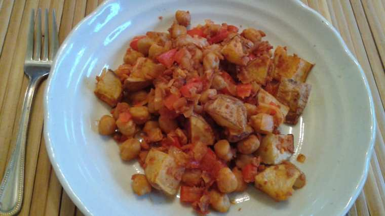 Potato, chickpea hash with onions, red peppers and soy chorizo